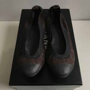 CHANEL DARK BROWN/BLACK FLATS